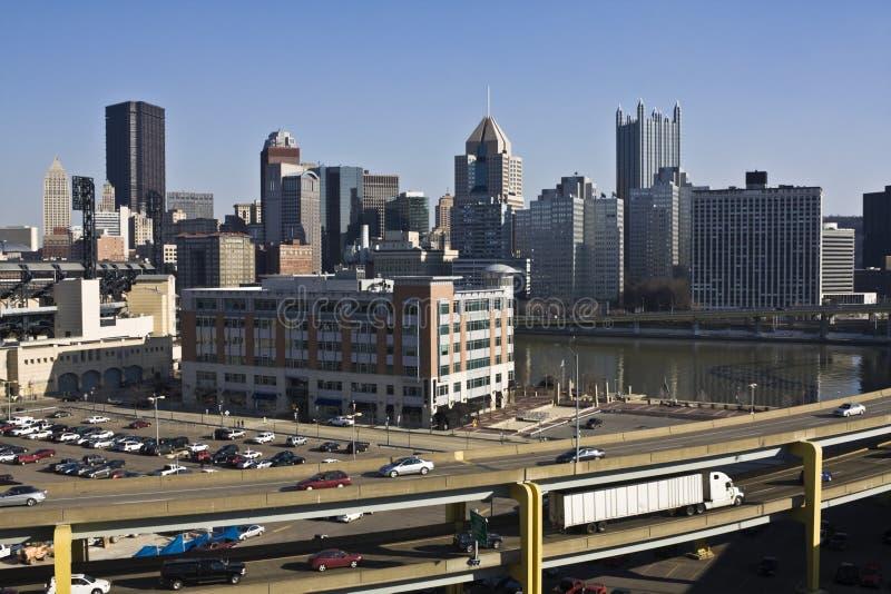 Tráfico en Pittsburgh foto de archivo