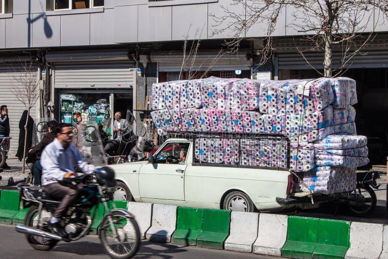 Tráfico en una calle foto de archivo