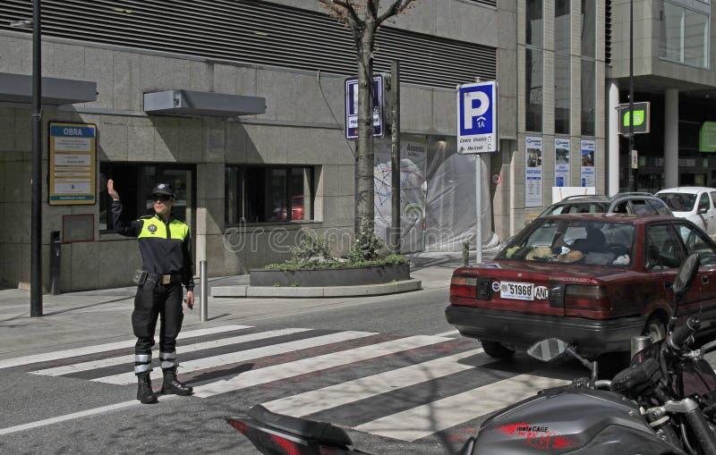 Tráfico-regulador en la calle en el la Vella de Andorra imagen de archivo libre de regalías