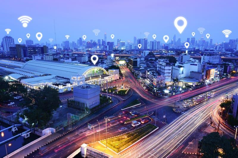 Tráfico, vehículos, red de comunicaciones inalámbrica imagen de archivo libre de regalías