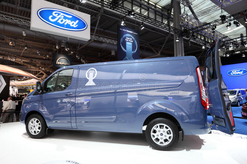Trânsito novo Van de Ford fotos de stock