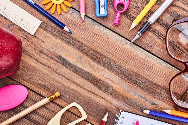 träövre sikt för bakgrundsbrevpapper royaltyfria bilder