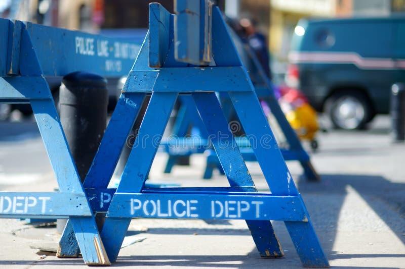 Trä gör den inte arga polislinjen barriärer i New York royaltyfria foton