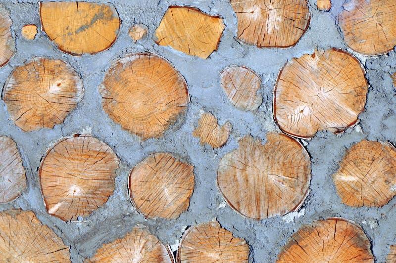 Trä och cement i väggen royaltyfri fotografi