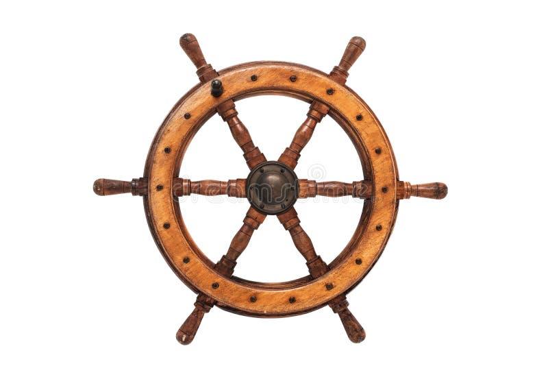 Trä- och mässingsför skepp` s för styrning hjul för isolerad tappning med vit bakgrund royaltyfri fotografi