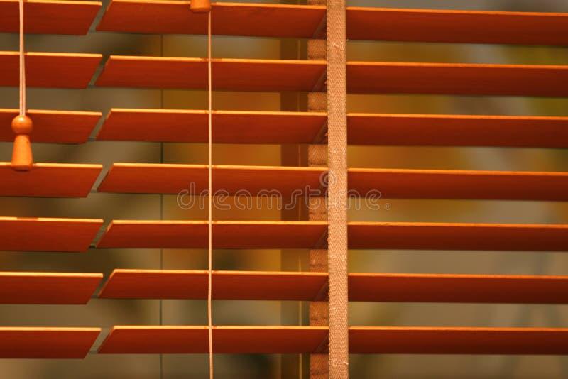 träblint fönster royaltyfri fotografi