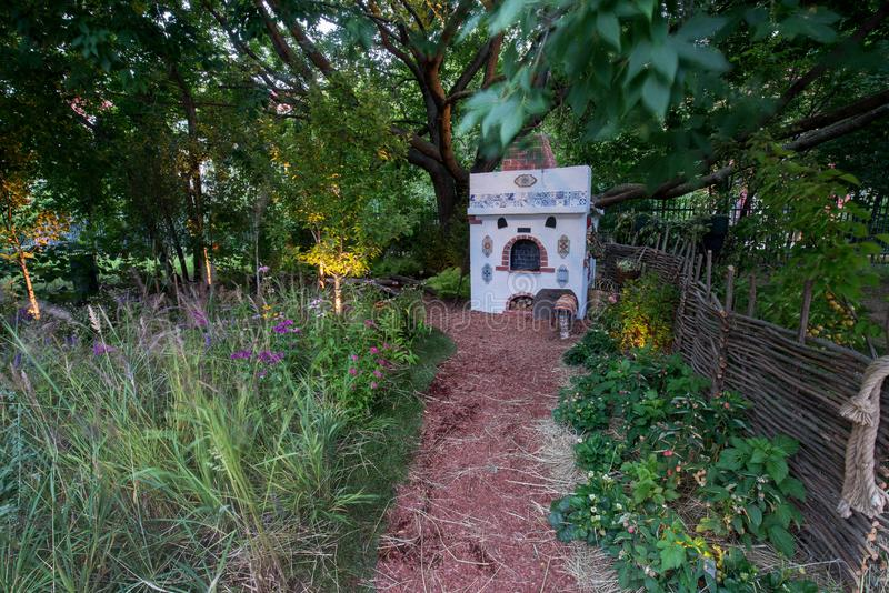 Trädgård av Andrey och Olga Onofriychuk royaltyfri fotografi