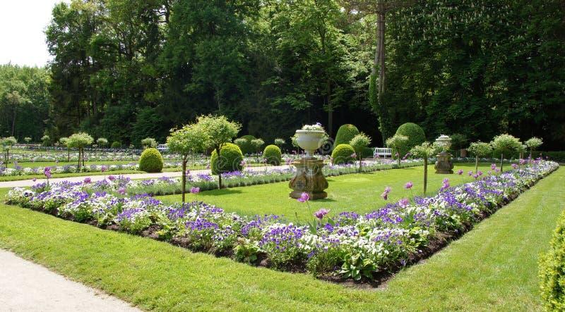 Trädgård av Diana de Poitiers på chateauen Chenonceau royaltyfri bild