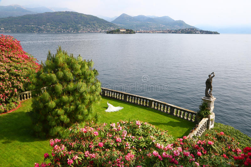 Trädgård av Isola Bella, Borromean öar, Italien royaltyfri fotografi