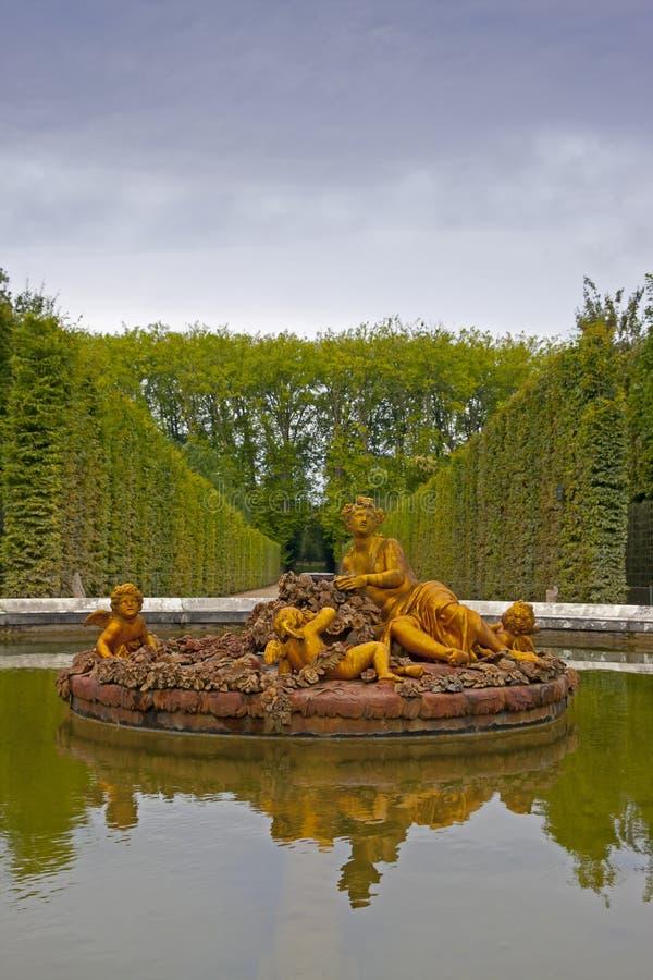 Trädgård av Versailles - Frankrike royaltyfria bilder