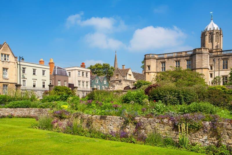 Download Trädgård För Krigminnesmärke England Oxford Arkivfoto - Bild av oxford, utbildning: 78731236