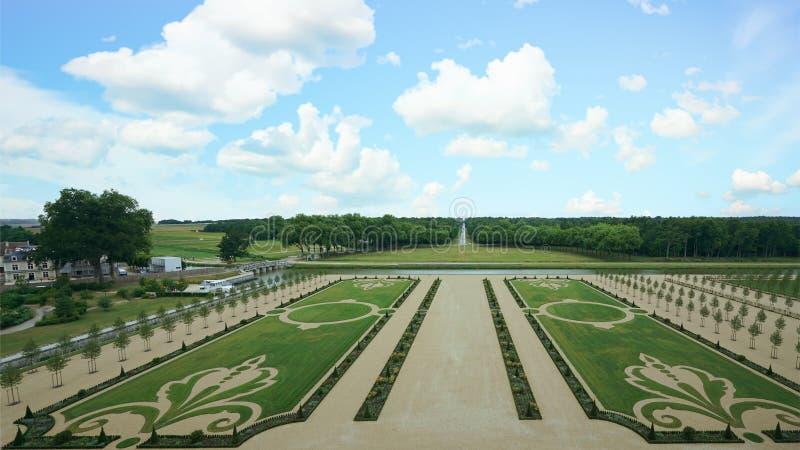 Trädgård i chambordslott royaltyfri foto