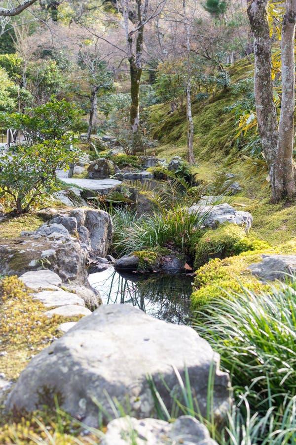 Trädgård på den Tenryuji templet royaltyfri bild
