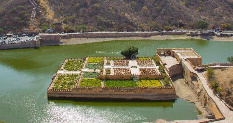 Trädgårdar av Amber Fort India arkivfoton
