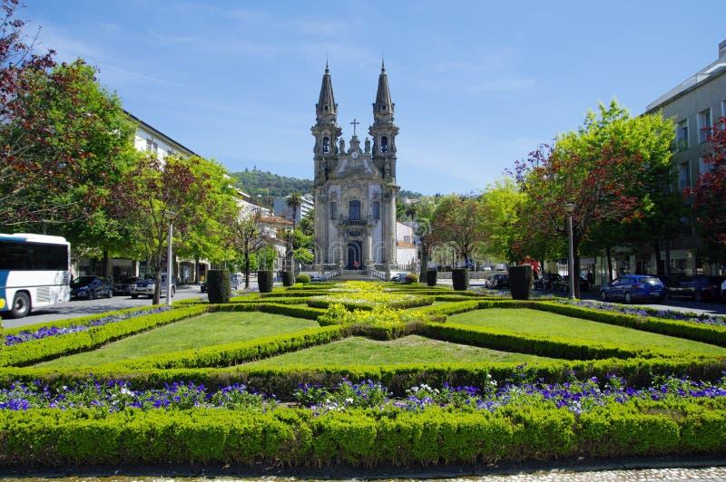 Trädgårdar av Largo Republica gör Brasilien nära Nossa Senhora Da Consolacao E Dos Santos Passos royaltyfri bild