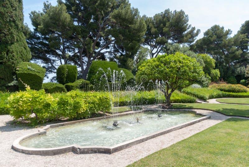 Trädgårdar av villan Ephrussi de Rothschild royaltyfria bilder