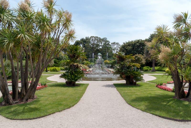 Trädgårdar av villan Ephrussi de Rothschild arkivfoton