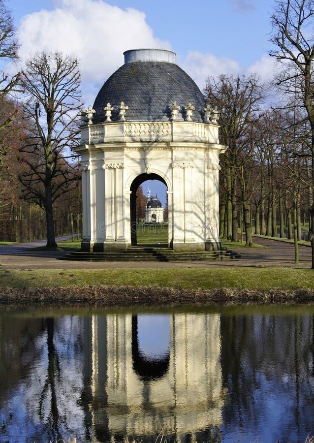 trädgårdar herrenhausen pavillon arkivfoton