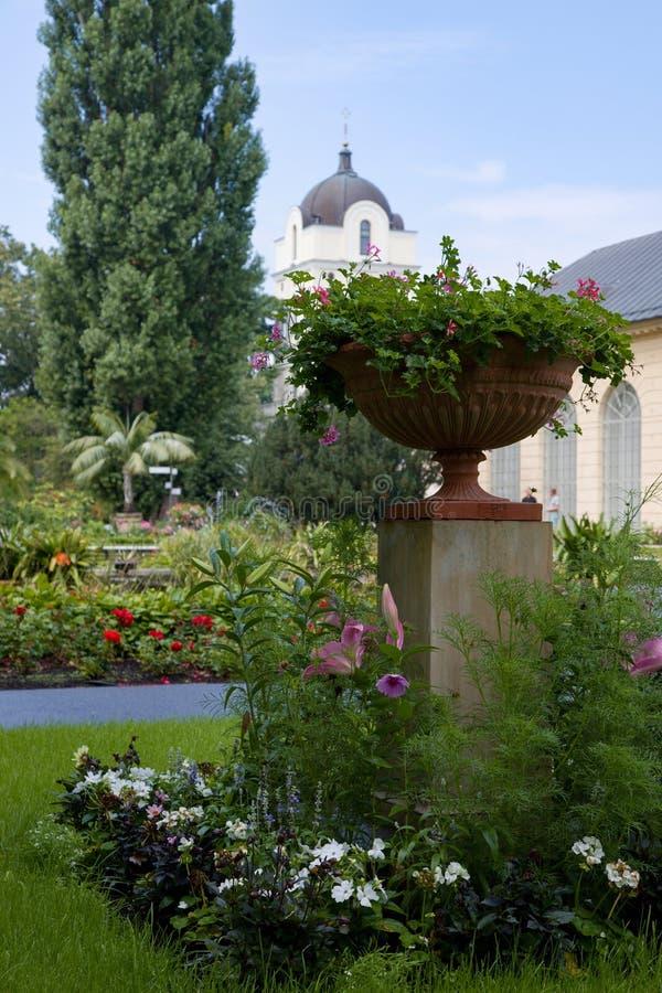 Trädgårdar i slott för Wilanà ³w eller Wilanowski slott i Warszawa i Polen, Europa royaltyfri bild