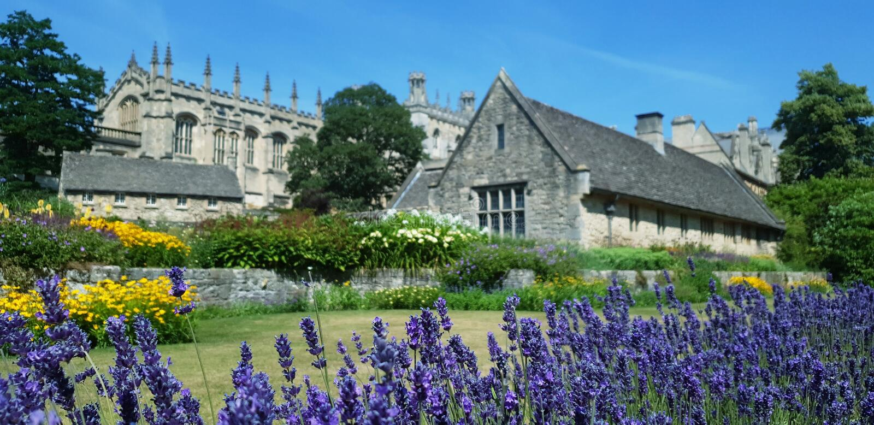 Trädgårdar på Kristuskyrkan, Oxford, England royaltyfria bilder