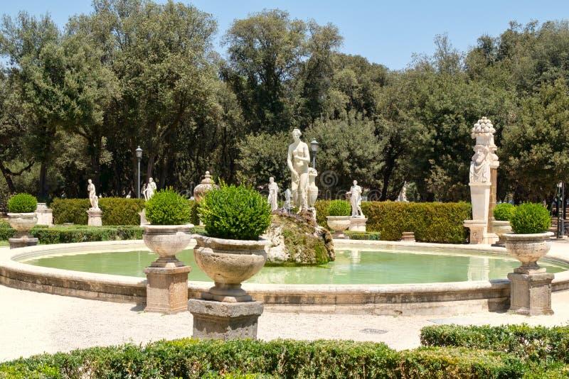 Trädgårdar på villan Borghese i Rome arkivfoton