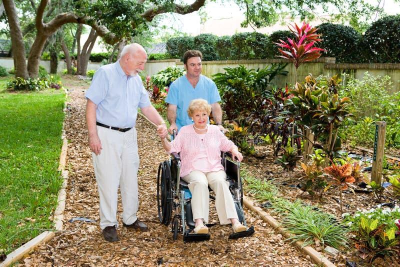 trädgårdar returnerar sjukvård royaltyfri foto