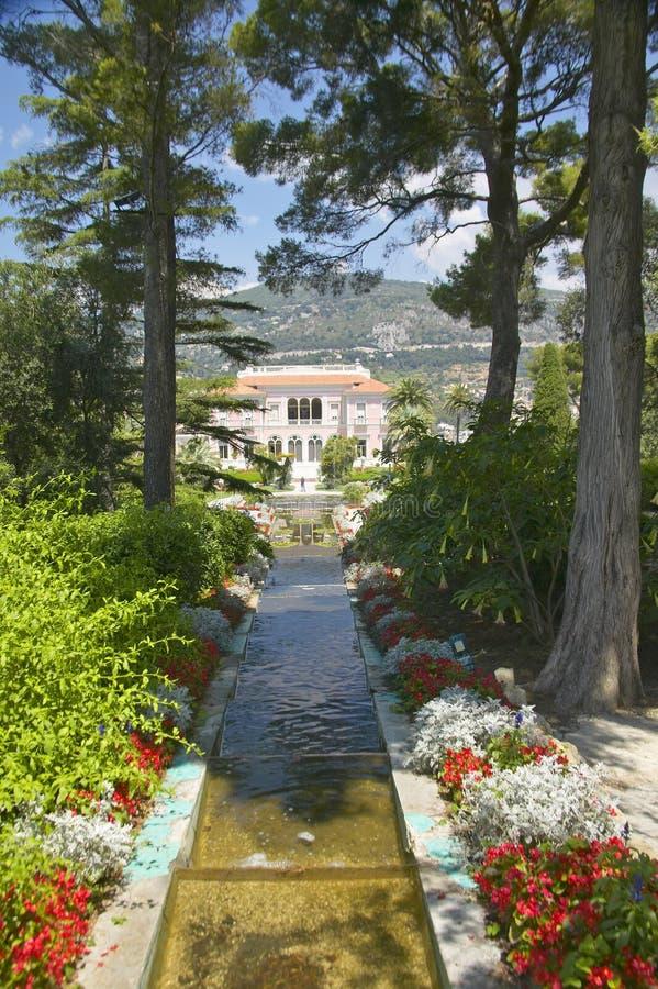 Trädgårdarna och Villan Ephrussi de Rothschild, Helgon-Jean-lock-Ferrat, Frankrike arkivbild