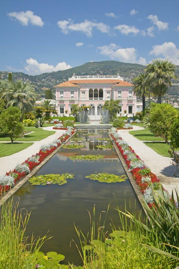 Trädgårdarna och Villan Ephrussi de Rothschild, Helgon-Jean-lock-Ferrat, Frankrike royaltyfri bild