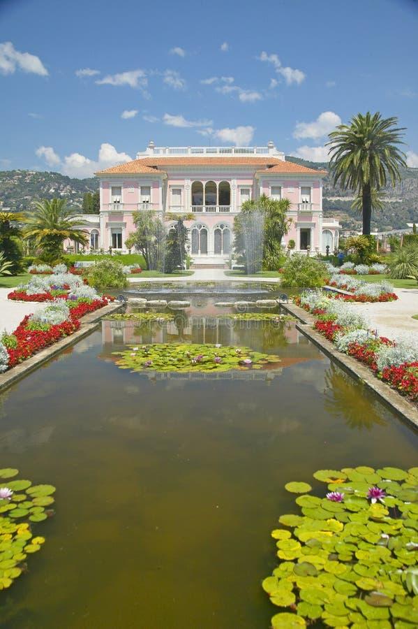 Trädgårdarna och Villan Ephrussi de Rothschild, Helgon-Jean-lock-Ferrat, Frankrike royaltyfri fotografi