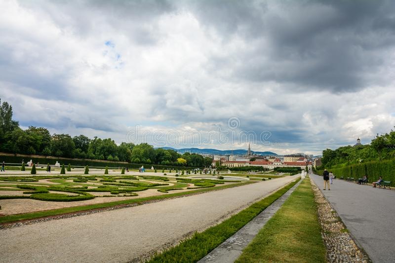 Trädgården av Belvedereslotten royaltyfri fotografi