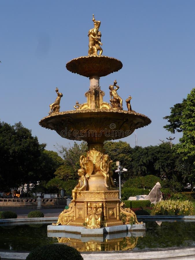 Trädgården parkerar foto i Bangkok, är Thailand där många thailändska intressanta ställen både och utländska turister Komm att ko royaltyfri bild