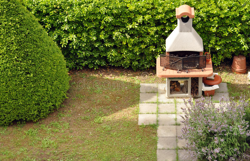 trädgårdgrillfest arkivbild
