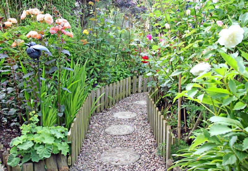 trädgårds- banahemlighet royaltyfri bild