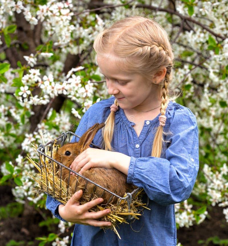 trädgårds- flicka arkivfoto