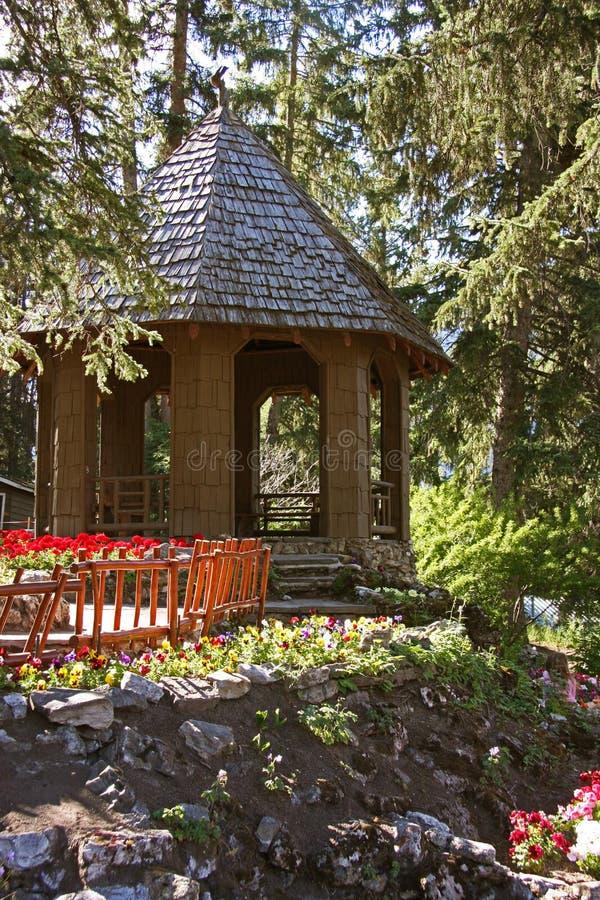 Trädgårds- gömställe royaltyfri bild