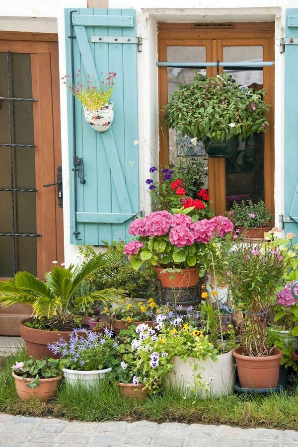 trädgårds- gata royaltyfri bild