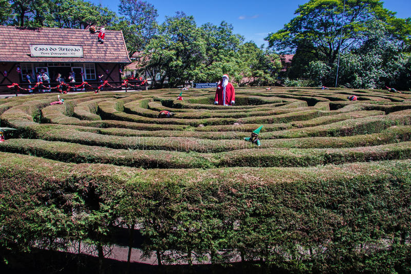 Trädgårds- labyrintNova Petropolis Brasilien royaltyfria bilder