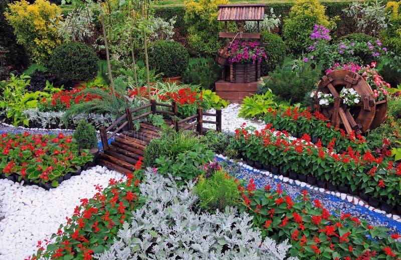 trädgårds- miniature royaltyfria bilder