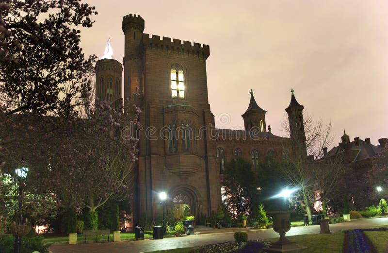 trädgårds- natt smithsonian washington för slottdc royaltyfria foton