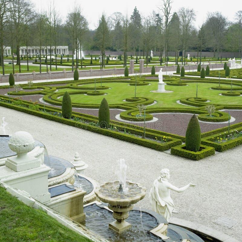 trädgårds- paleis för het-looslott arkivfoton