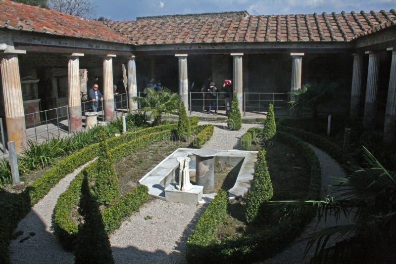 Trädgårds- pompeii royaltyfri bild