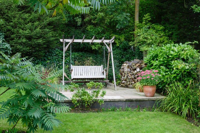 Trädgårds- uteplats royaltyfri foto