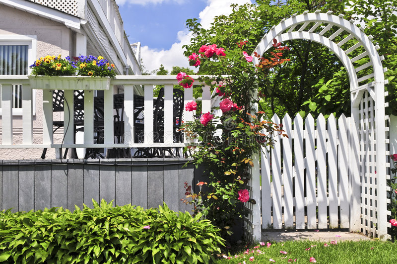 trädgårds- white för axel royaltyfria bilder