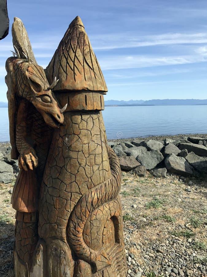 TräDragon Carving Salmon Point, F. KR. royaltyfri fotografi