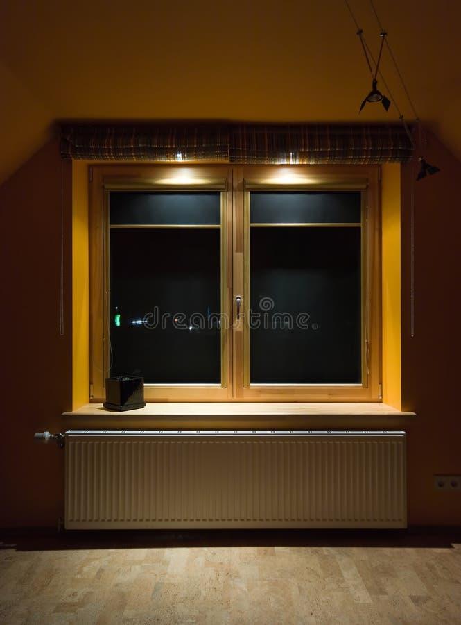 träfönster arkivfoto