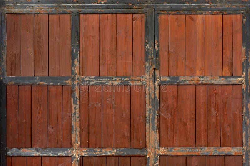 träforntida dörr arkivbilder