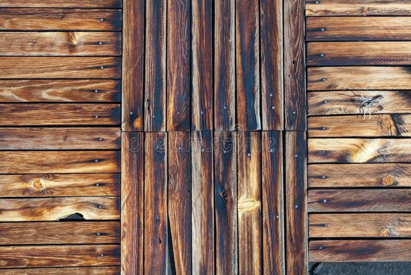 trägammal ungefärlig vägg royaltyfria bilder