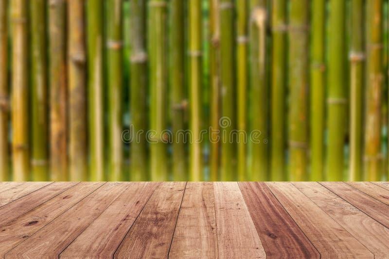 Trägolv för suddig mall för bakgrundsproduktskärm royaltyfri foto