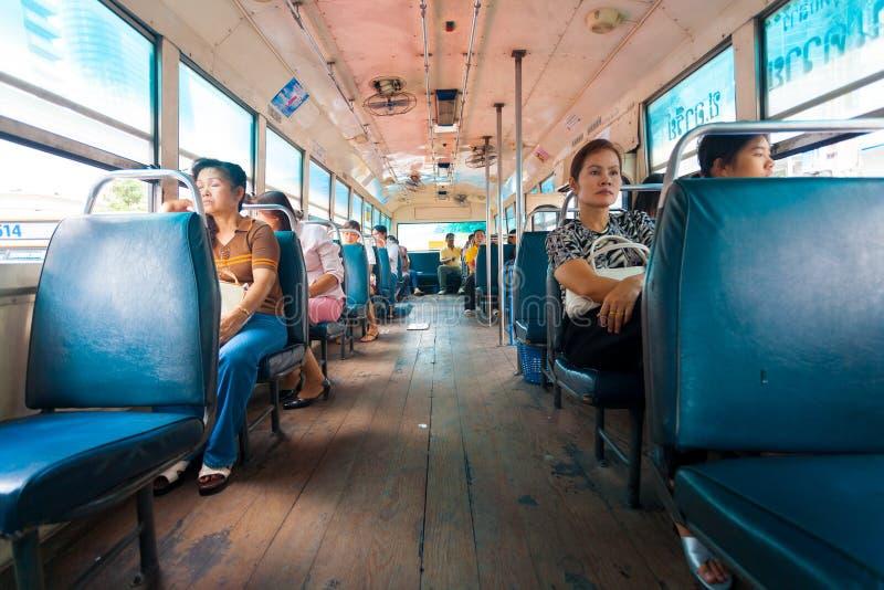 Trägolv Thailand för inre busspassagerare royaltyfri fotografi