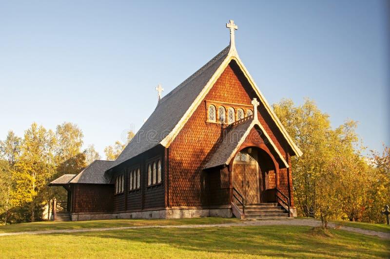 Träkyrka i Kvikkokk, nordliga Sverige arkivfoton